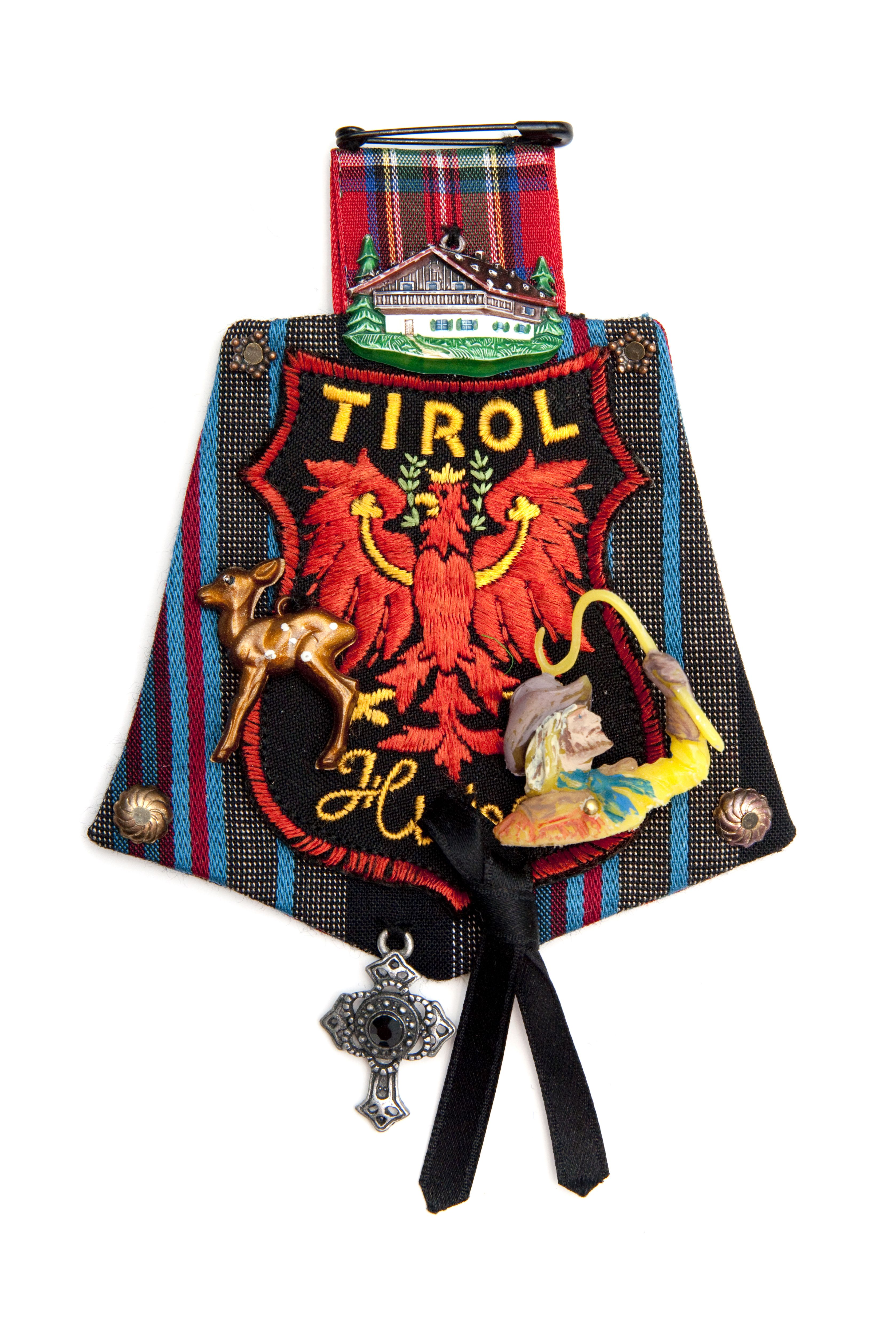 Textile Jewelry; collection Europe; Tirol; design Parkwolf Juwelen; Maria van Aar