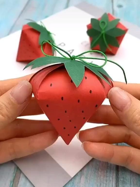 DIY Paper Box Strawberry