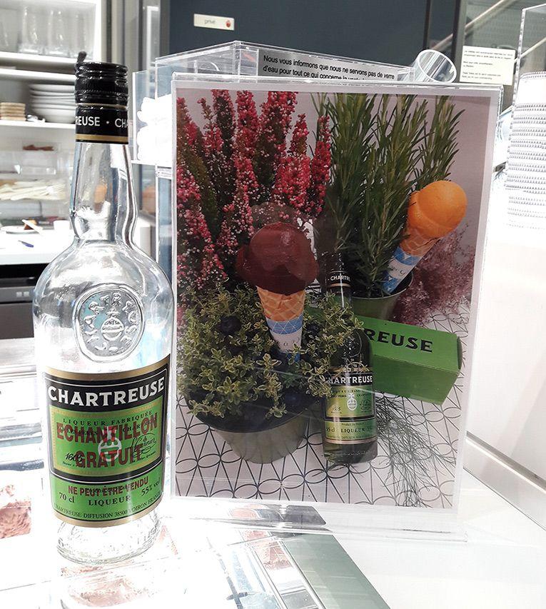 Glaces à la #Chartreuse Orange et Myrtille, en clin d'œil à ces produits révolus des Pères Chartreux, très bon !