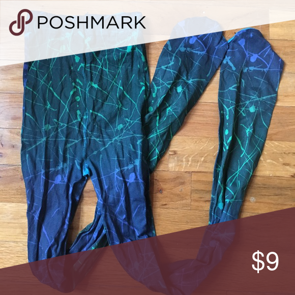 Free with regular priced purchase! Fun pair of tights! Worn once. Size small/medium. Not from listed brand. Urban Outfitters Accessories Hosiery & Socks