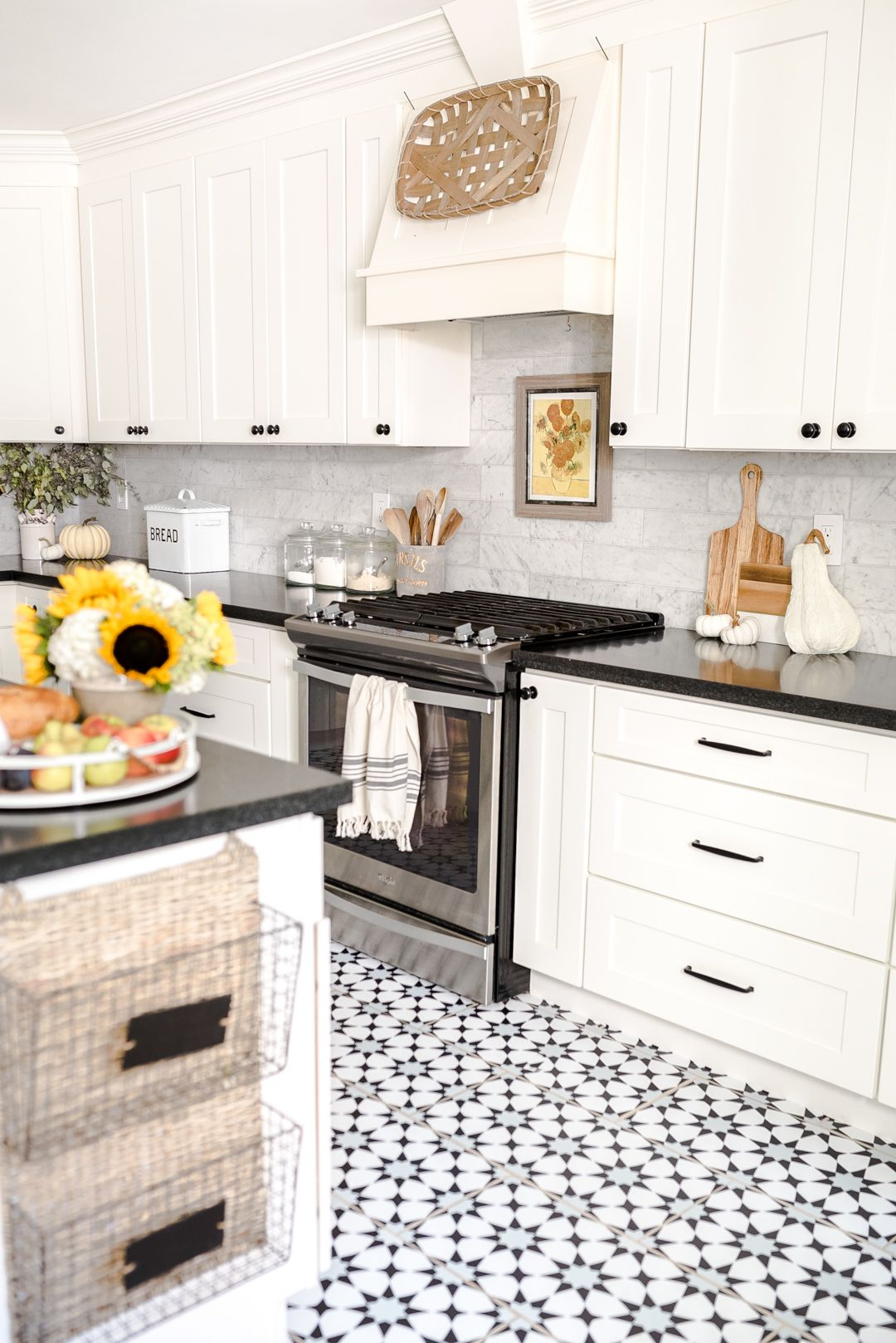 Early Fall Kitchen Decorating Ideas Sunflowers Hydrangeas