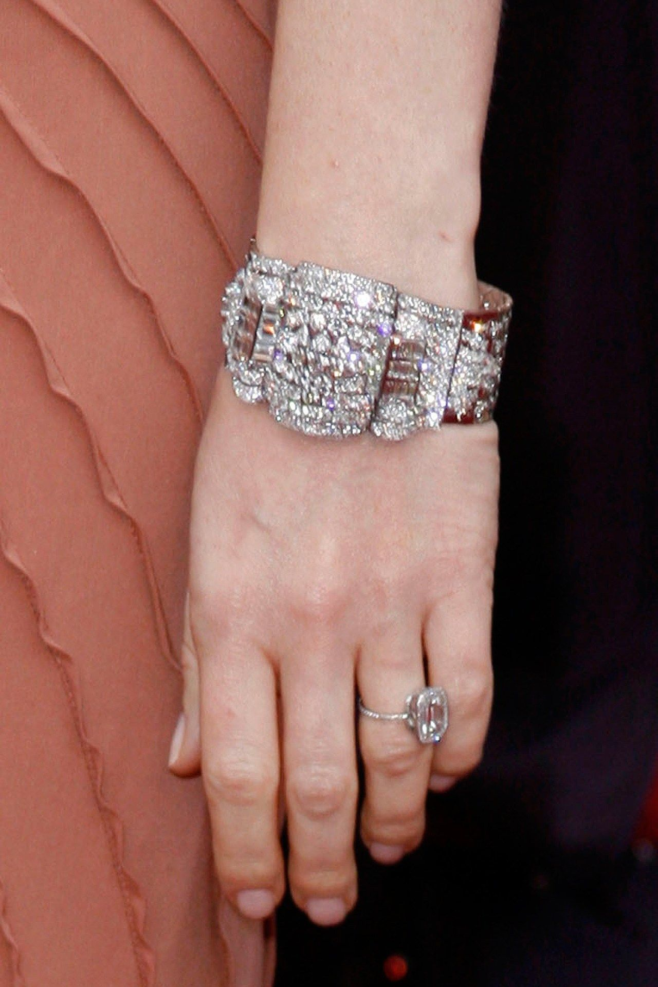 Celebrity Engagement Rings | Gwyneth paltrow, Engagement and Ring ...