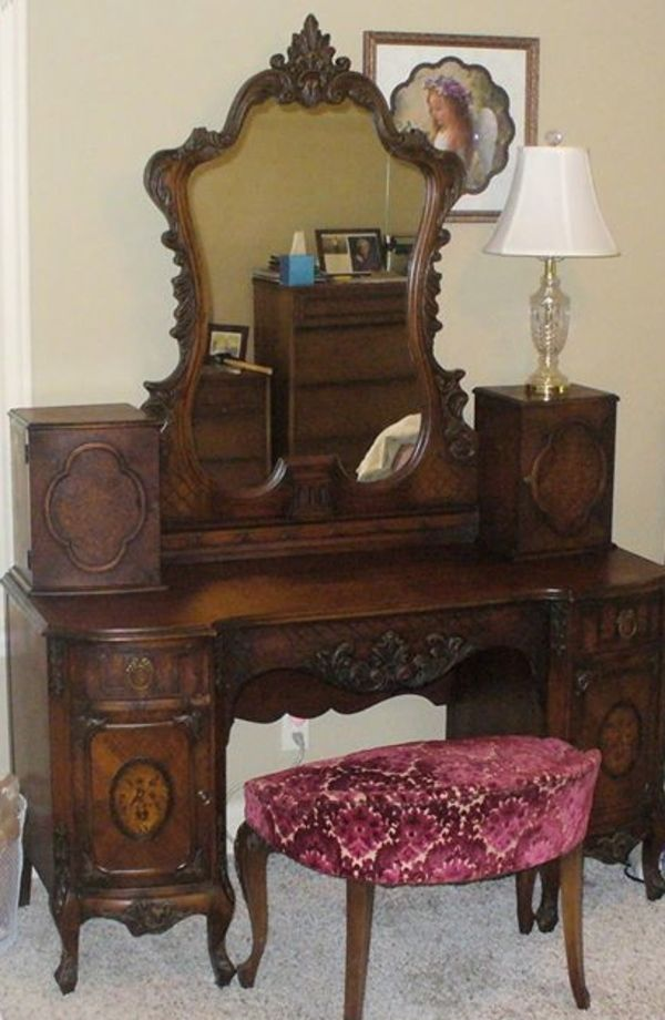 antique vanity, mirror, and stool - gorgeous! - Antique Vanity, Mirror, And Stool - Gorgeous! Furniture I Love In