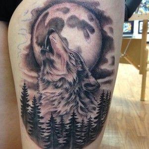Wolf Tattoo - Top 15! | Lobo e lua tatuagem, Tatuagem de lobo no braço