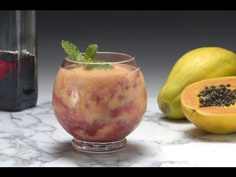Crema de Papaya con licor de Cassis - YouTube  En Receta Fácil aprenderás a hacer un postre super simple y delicioso, crema o mousse de papaya con licor de cassis. Facebook: http://www.facebook.com/MaxxGuetta FanPage: https://www.facebook.com/RecetaFacilc... Twitter: http://www.twitter.com/MaxxGuetta Google +: http://plus.google.com/u/0/1053796902... Pinterest: http://pinterest.com/recetafacil Youtube Channel: http://www.youtube.com/user/maxxguetta