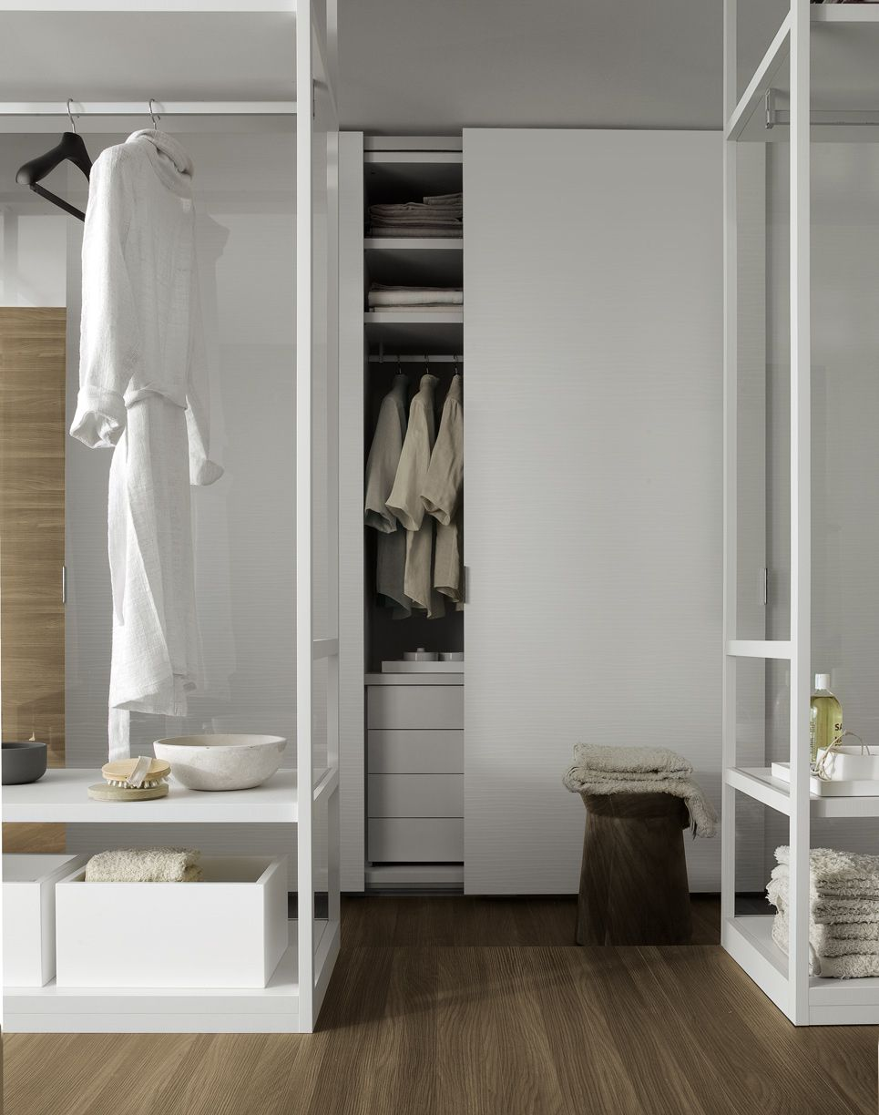 Extremely flexible walk in closet system - Extremely Flexible Walk In Closet Systems Are Available In Different Heights And Widths An Extraordinary Variety Of Finishes Door Styles And Accessories