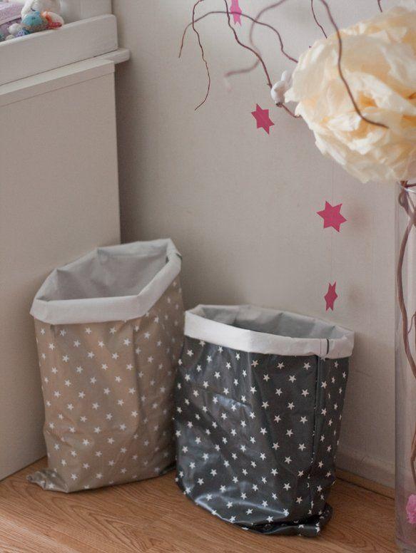 tuto kids des sacs en toile cir e pour ranger la chambre d 39 enfant couture sac sewing. Black Bedroom Furniture Sets. Home Design Ideas