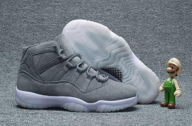 Air Jordan 11 gris