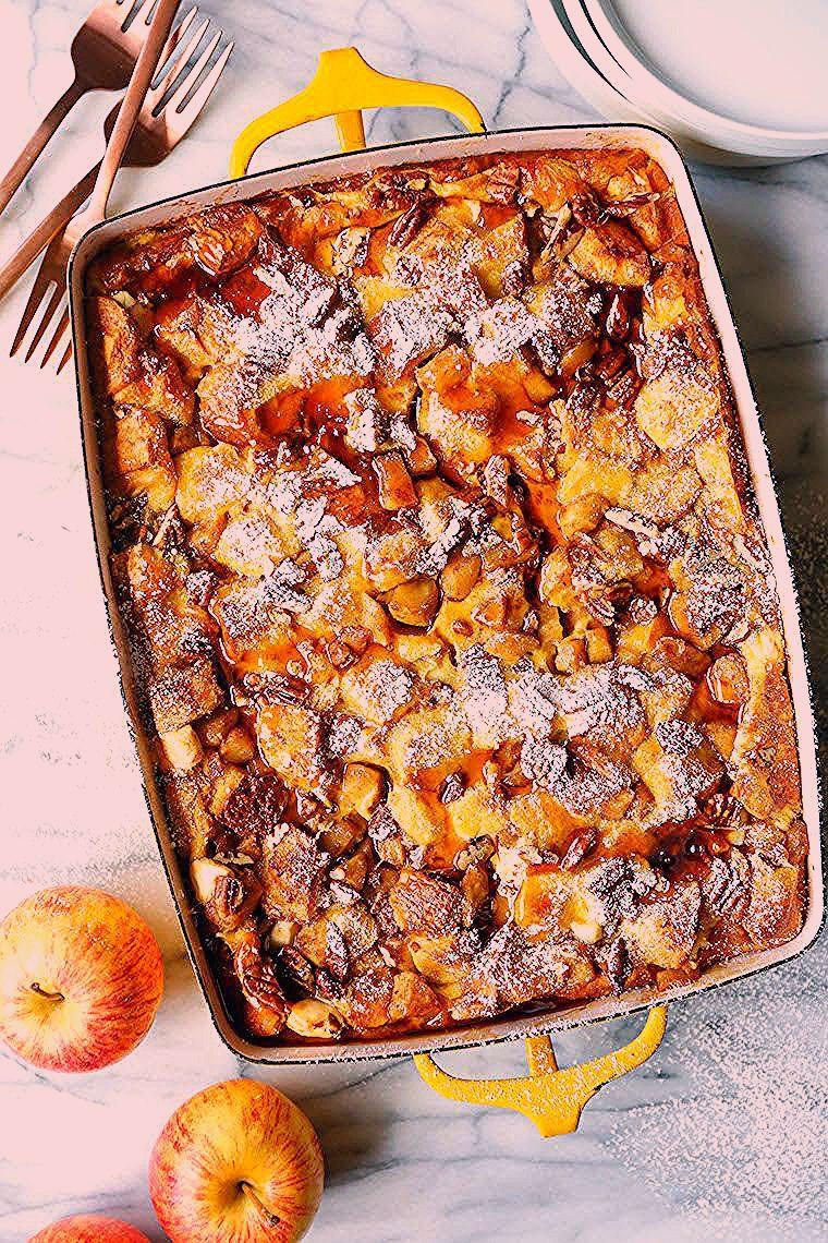 Über Nacht Zimt Apfel French Toast Backen