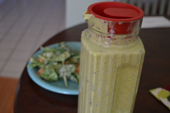 Creamy almond salad dressing