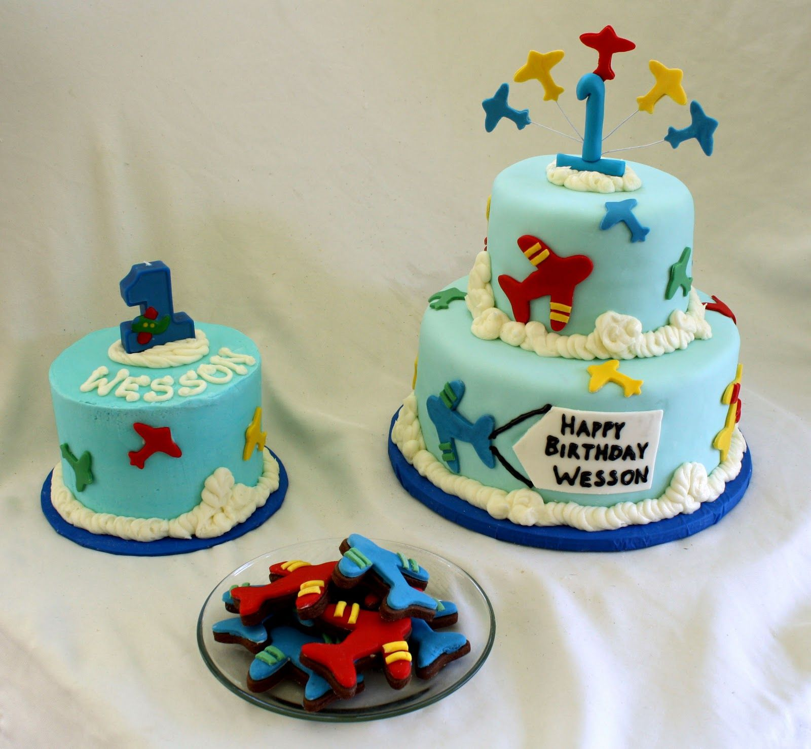 airplane birthday cakes for kids | Rose Bakes... An Airplane Cake, A Smash Cake & Airplane Cookies!