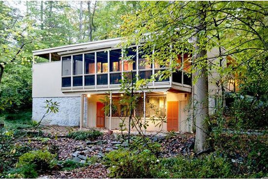 On the market 1950s midcentury modern property in Atlanta Georgia