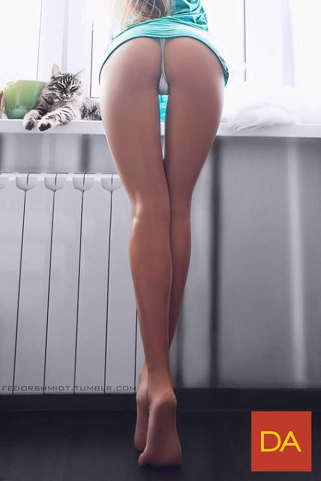 Thigh Gap No Panties