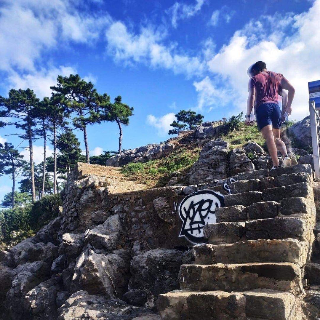 Grosse serie d'escalier pour transpirer un bon coup #stairs #workout #legs #cardio #fit #fitness #fi...
