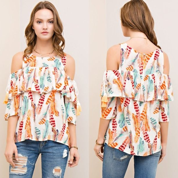 Love the pattern on this top!! {Feather Top $37.25} Comment below with PayPal to purchase and ship or comment for 24 hour hold #repurposeboutique#shoprepurpose#boutiquelove#style#trendy#musthaves#obsessed#fashion#spring#feather#coldshoulder#top