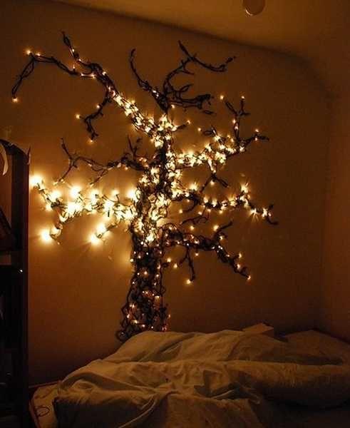 24 Modern Interior Decorating Ideas Incorporating Tree Wall Art Luce Fai Da Te Idea Di Decorazione Luci Delle Fate