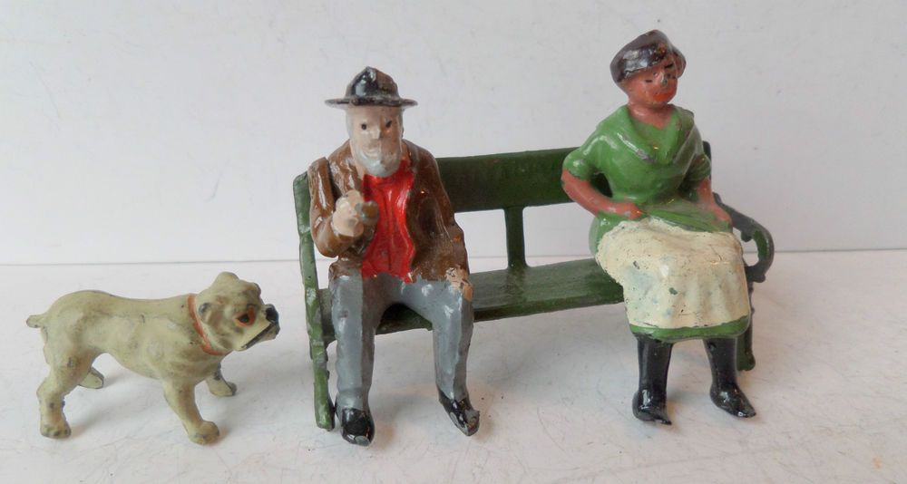 BRITAINS PRE-WAR PAINTED LEAD No568 GARDEN SEAT + 2 SEATED