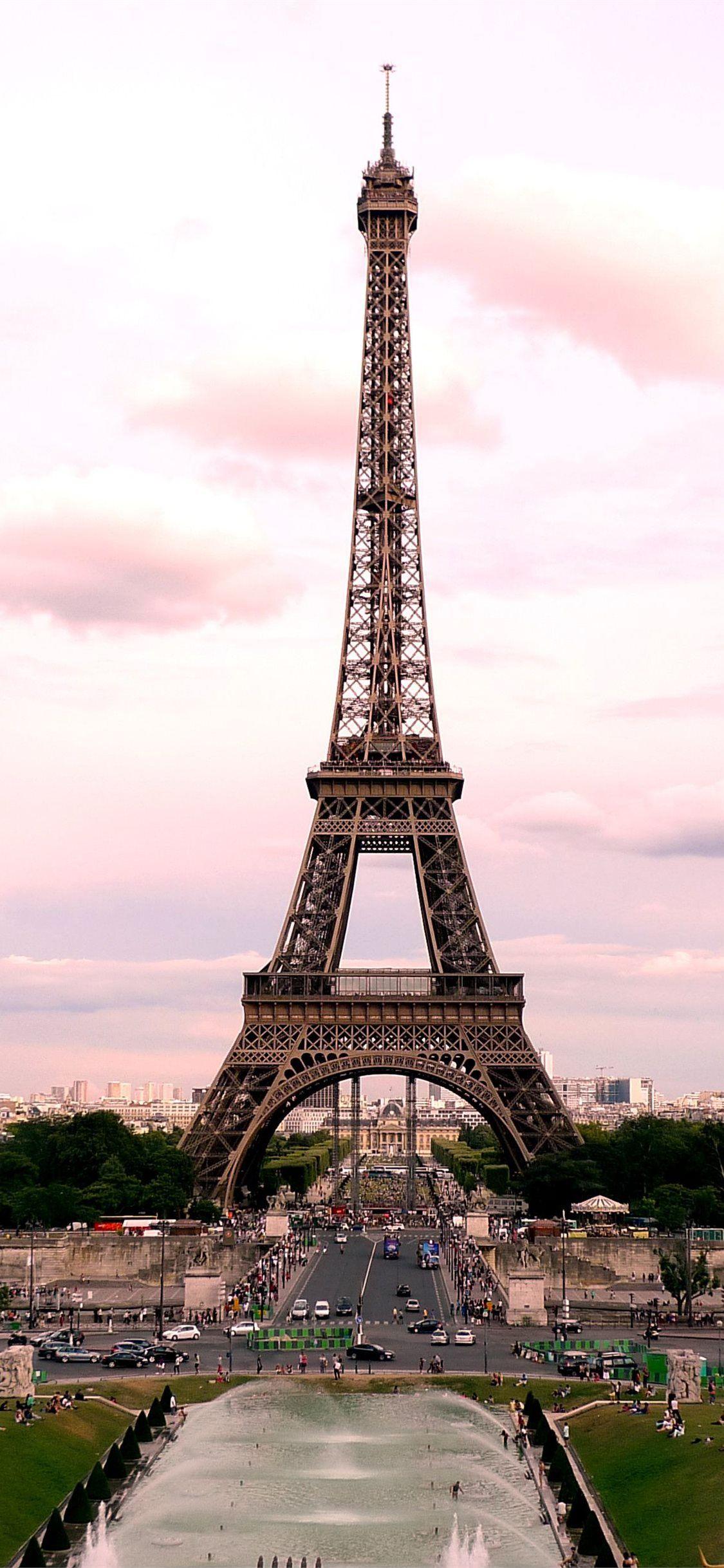 Eiffel Tower Paris Paris 100mostbeautifulplacestovisit France Iphone11wallpaper Tour Eiffel Paris Pictures Paris Travel