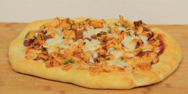 Cbc Sofra طريقة تحضير بيتزا الدجاج أميرة شنب Recipe Recipes Vegetable Pizza Food