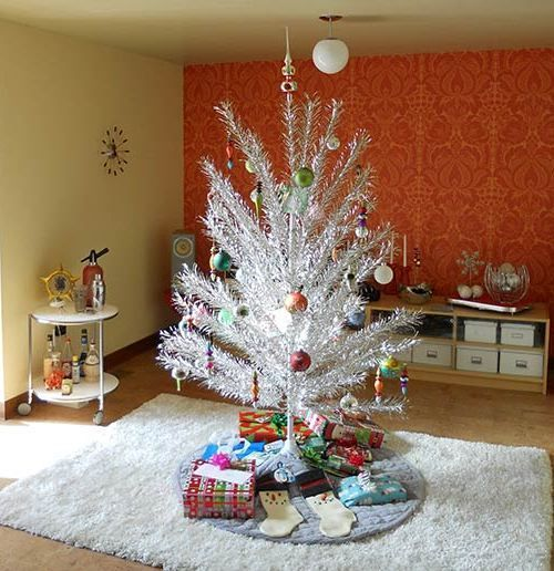 Silver Tinsel Christmas Tree With Color Wheel: Aluminum Christmas Tree, Silver