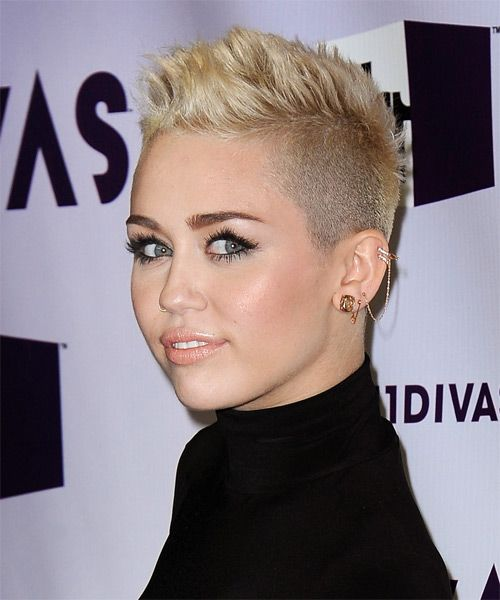Miley Cyrus Hairstyle Short Straight Casual Light Blonde Really Short Hair Short Hair Styles Miley Cyrus Short Hair