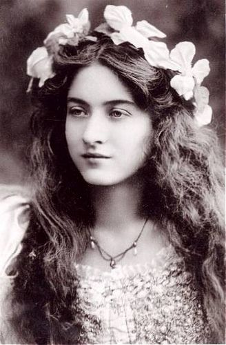 Photo of Retro Rover: Vintage Style Icon-Maude Fealy-Early Screen Pioneer