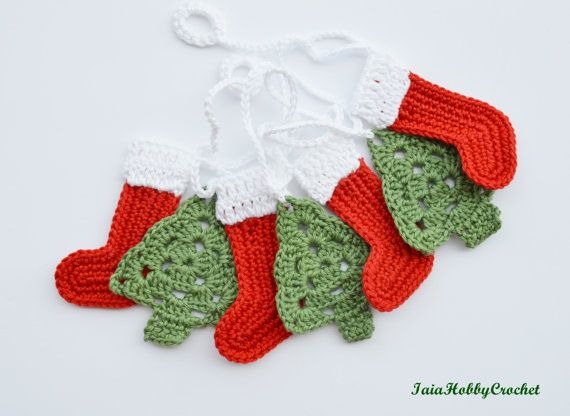 ~Ready to ship~  This listing is for a crochet Christmas garland with 4 boots…