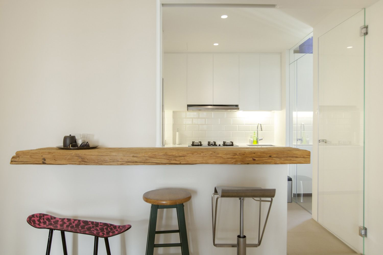 Kitchen bar counter | Singapore condo by FUUR | Kitchens | Pinterest ...