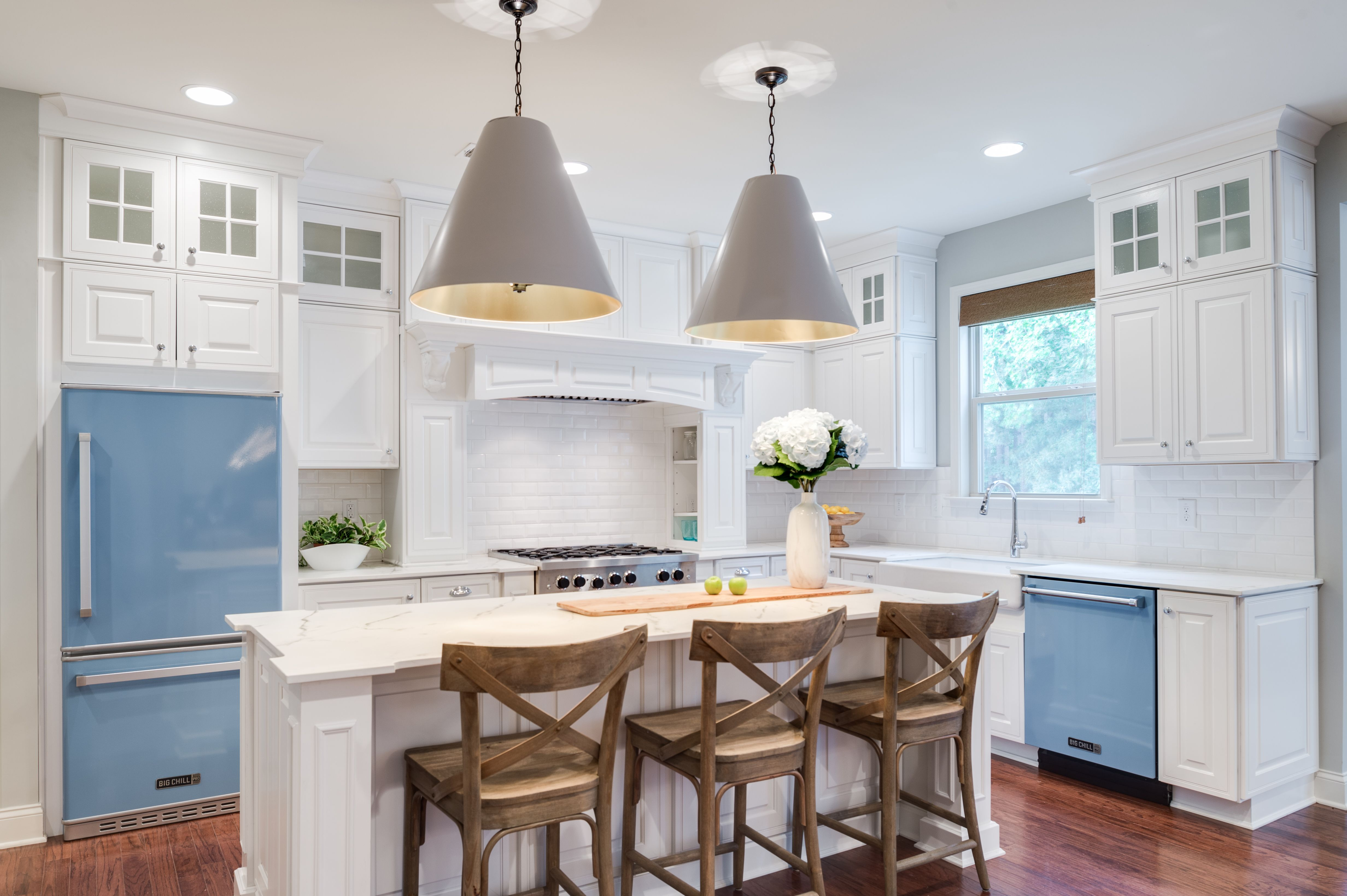 Best Waypoint® Cabinetry In 760 Painted Linen On The Season 400 x 300