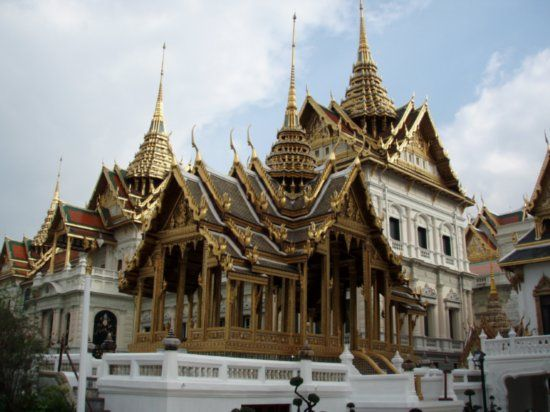 Bangkok travel thai architecture unique and charming for Thailand architecture