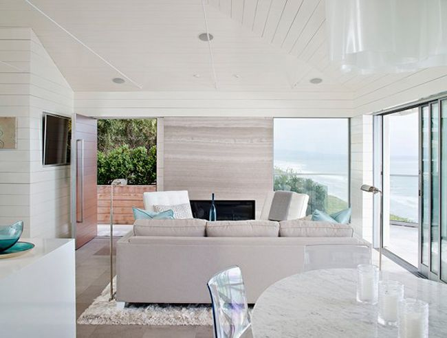 Tantalizing modern beach bungalow in solana beach for Modern beach interiors