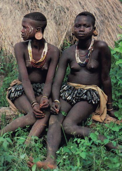 Секс в диких племенах с молодой девочкой