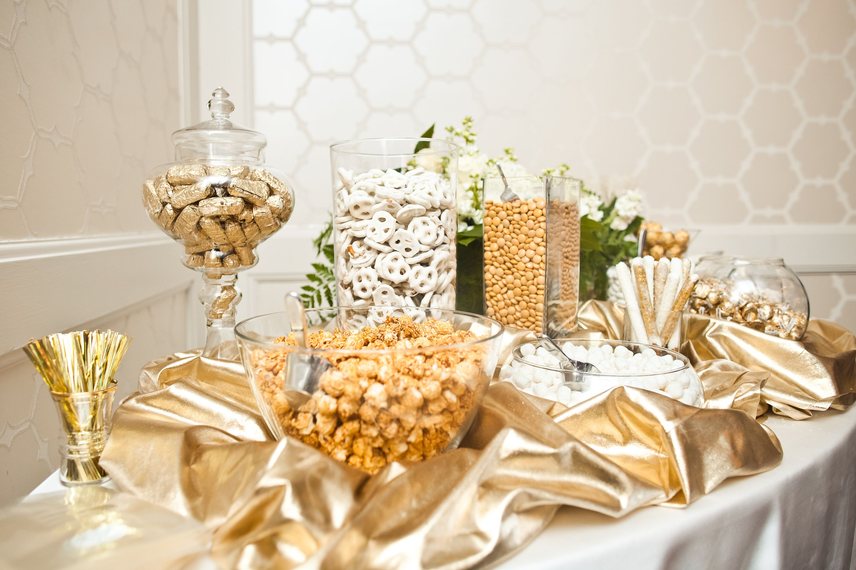 Black gold weddings Gold and Cream Candy