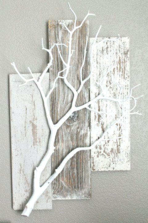 Paletten und weißer Zweig Sehr schöne Idee zum Aufhängen