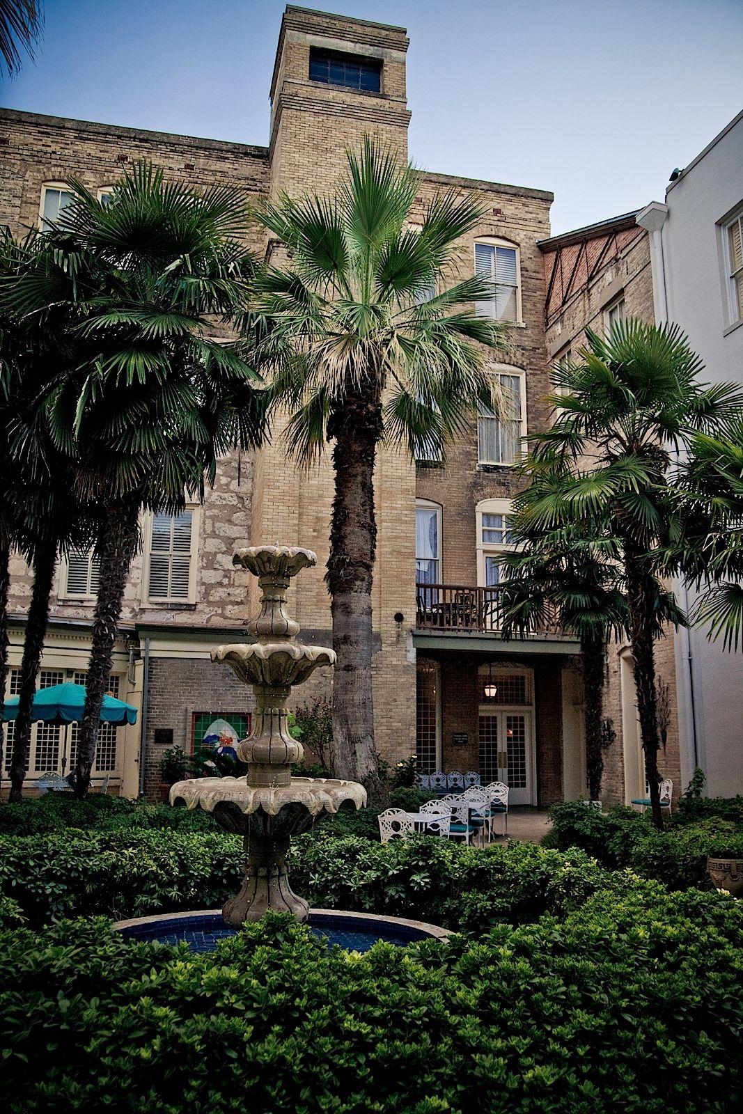 Historical Menger Hotel Near San Antonio Riverwalk San Antonio