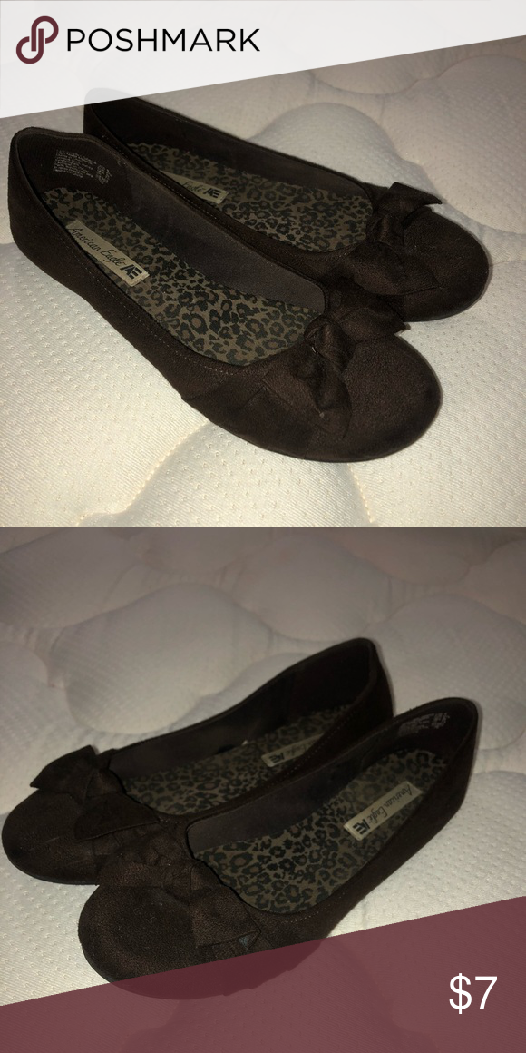 35fc43ed83b Brown Flats w  Bow Cute flats with bow! Gently worn. Size 9 American Eagle  By Payless Shoes Flats   Loafers