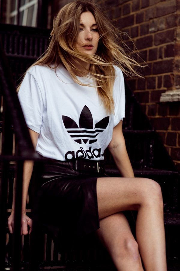 5cf54d2f8e55 Sweet T-shirt Outfits for girls (12) | Nicky concert outfit | Fashion, Adidas  outfit, Shirt outfit