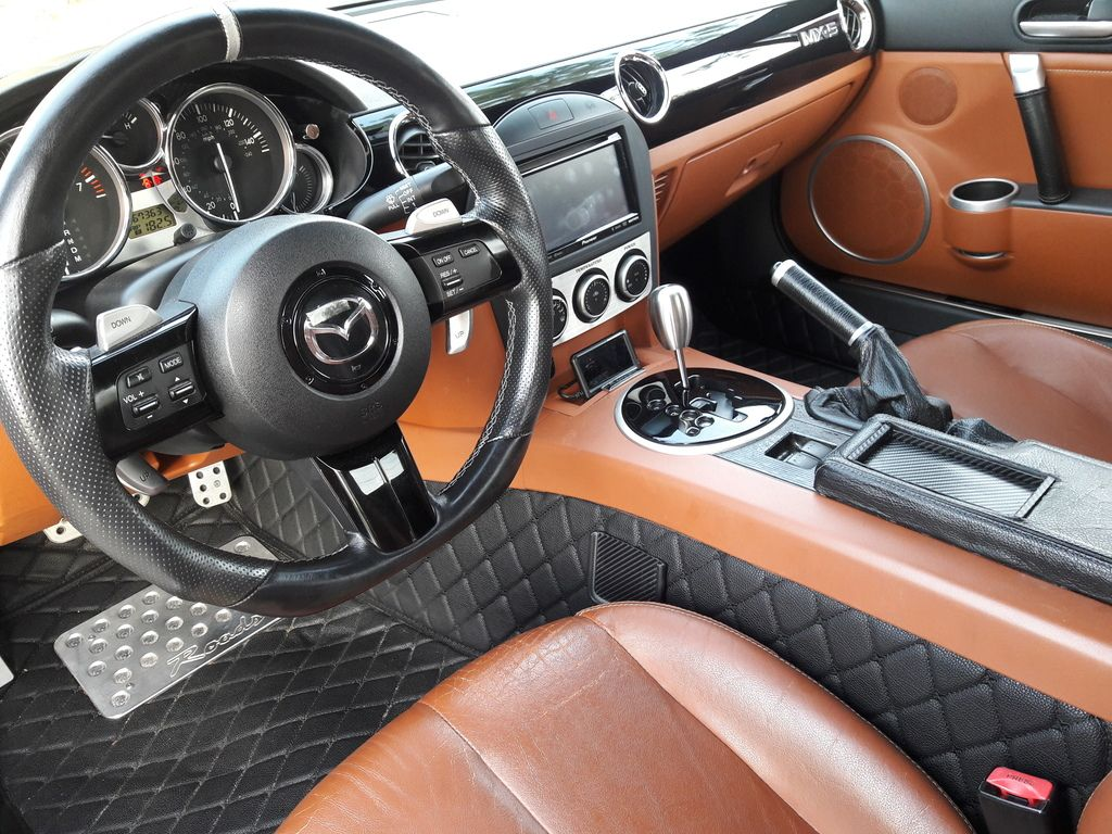 Who has custom interior? Pictures please! - Page 7 - MX-5