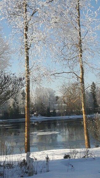 Oulujoki maaliskuussa,  paikka Jokirinne
