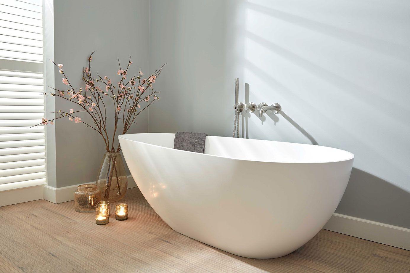 Solid Surface Badkamer : Vrijstaand bad breskens solid surface vrijstaande baden