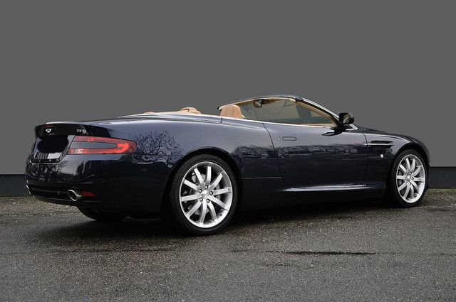 Aston Martin Volante Touchtronic 456PS as Cabriolet / Roadster in Aachen