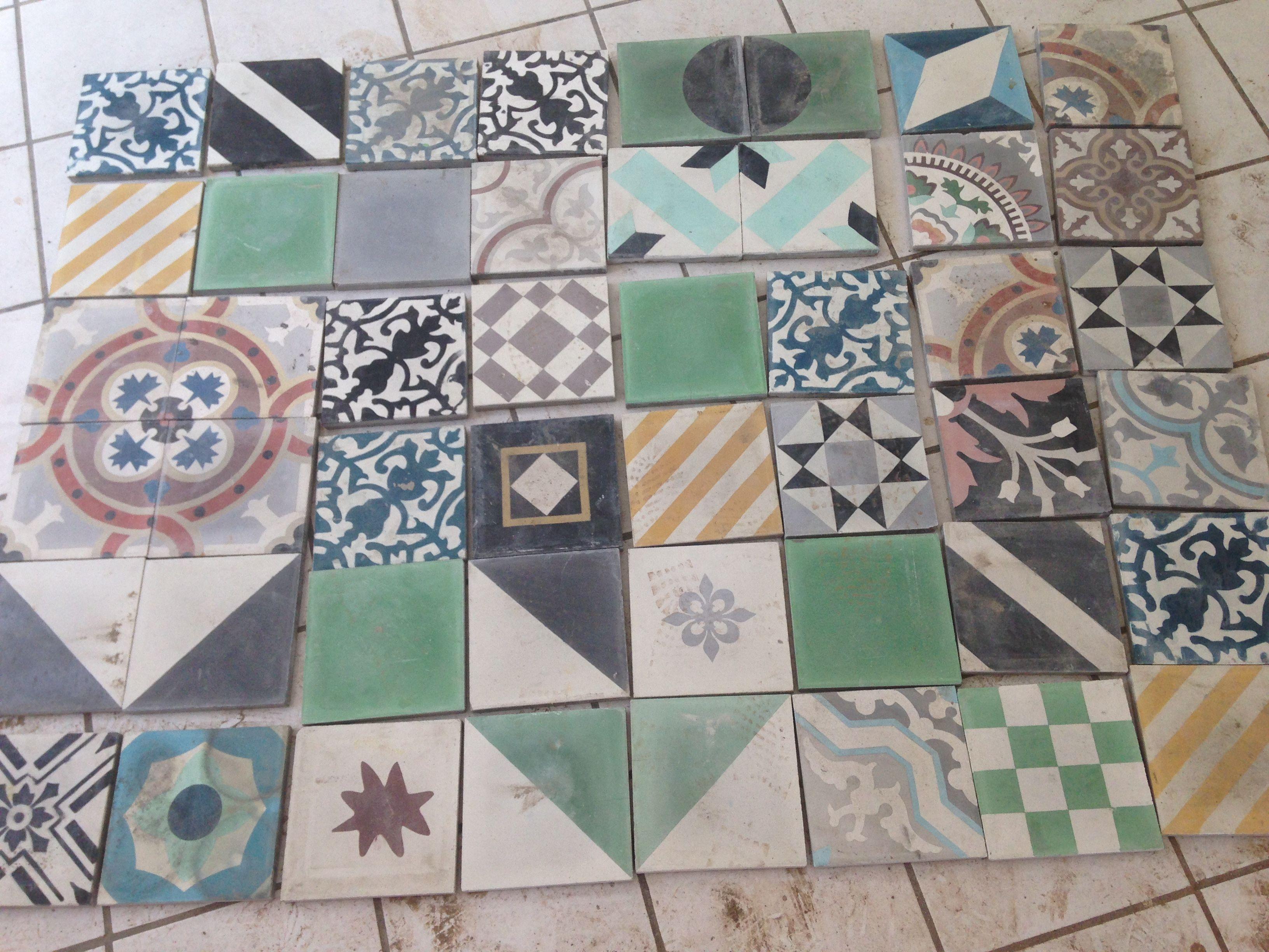 Arreglo asimétrico de mosaicos artesanales que ira en el piso de la ...