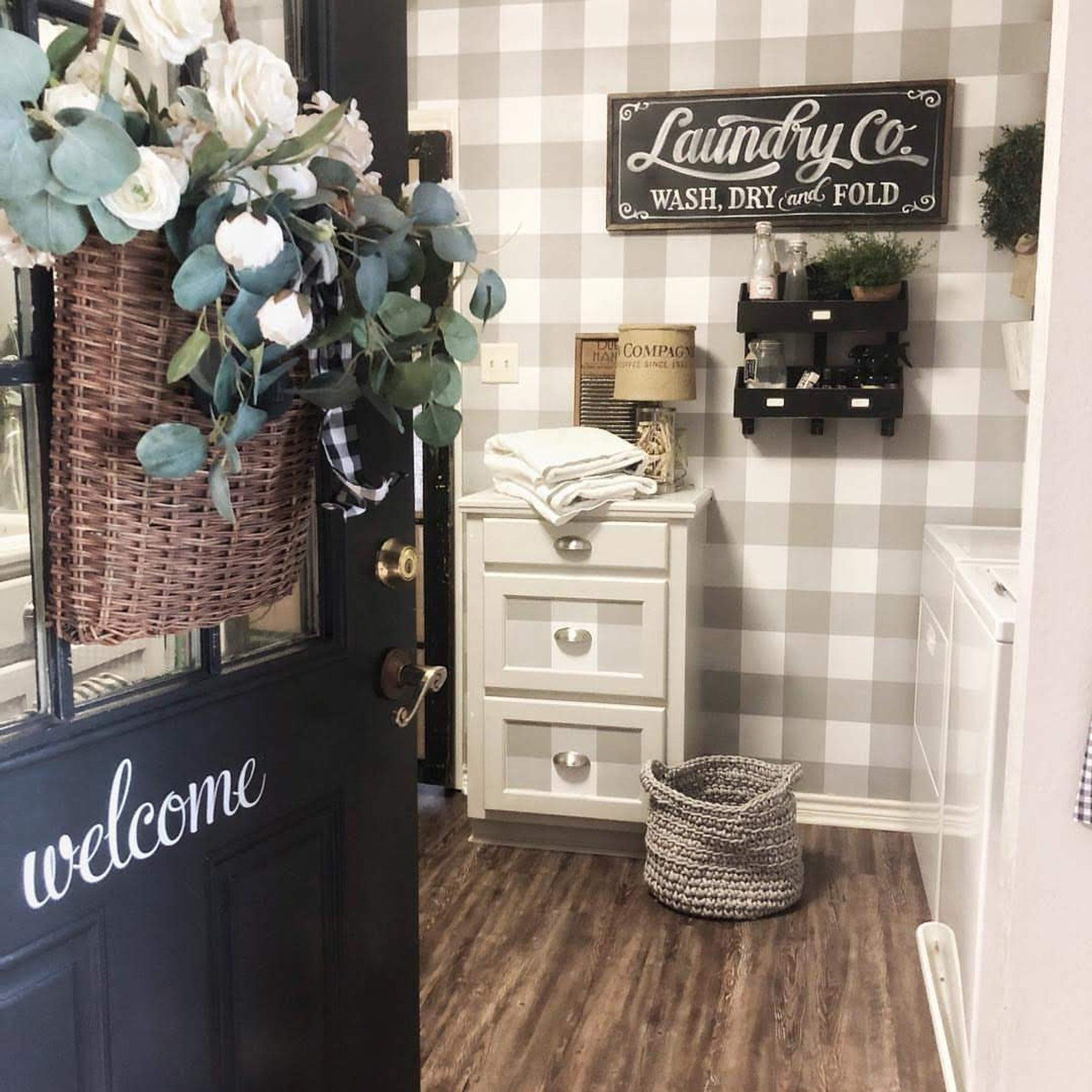Wallpops Farmhouse Gray and White Plaid Peel and Stick