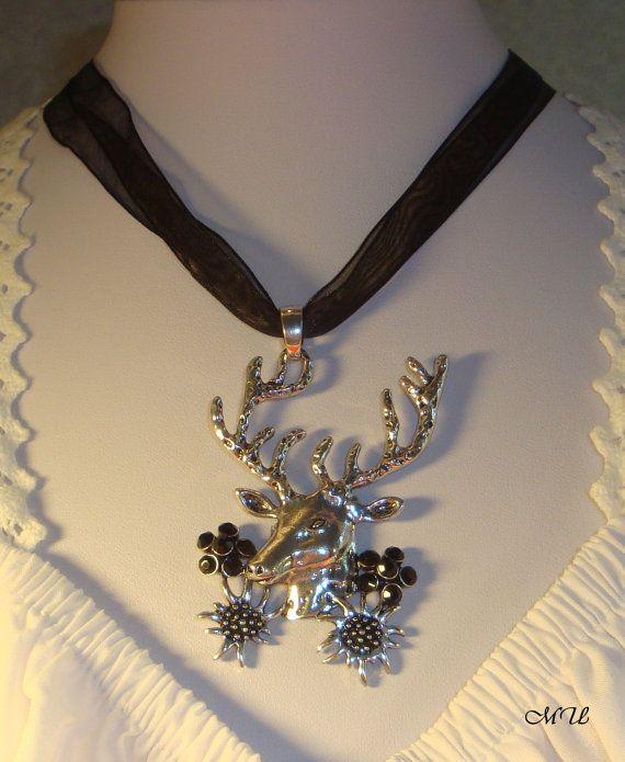 Hirschanhänger mit Strasskristall Blüten und von Edelweiss51, €13.00