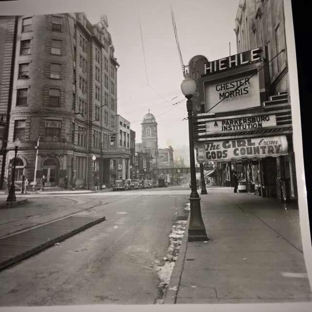 Parkersburg, WV - Market Street Scene - Postcard - Unused