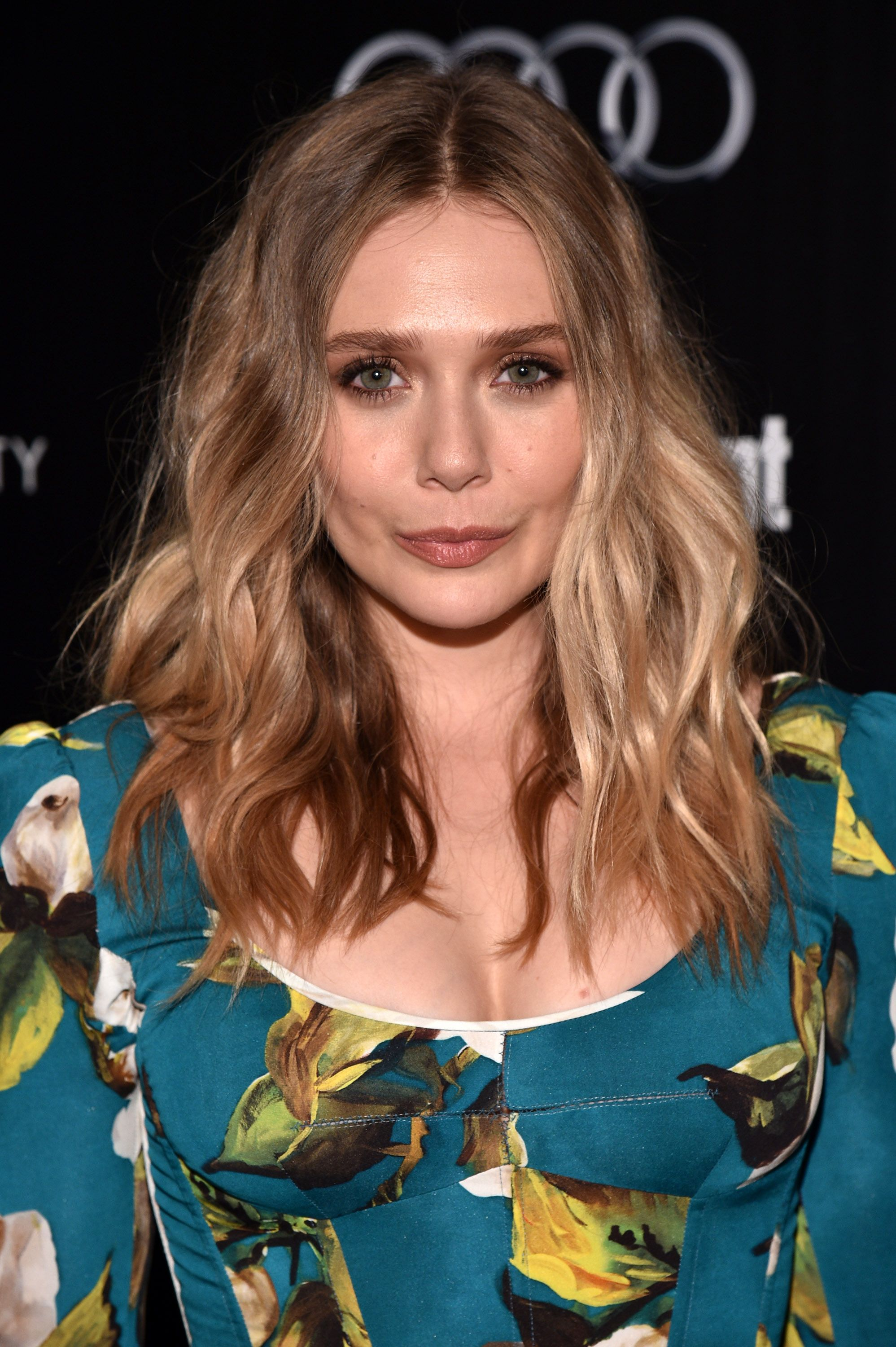 Elizabeth Olsen's Hair for Dolce Gabanna