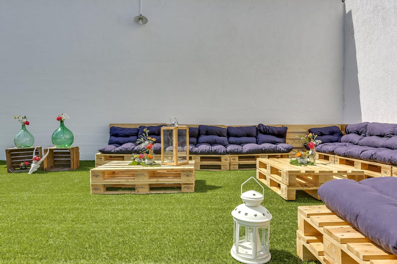 Home design exterieur und interieur le coin salon extérieur du loft  loft  pinterest  lofts