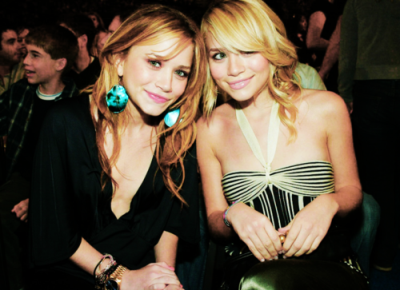 sister love (With images) Mary kate, Olsen twins, Old