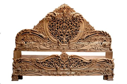 Intricately Hand Carved King Size Teak Wood Bed In Aurangabad