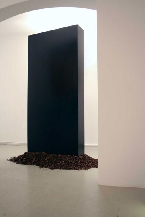 "Bosse Sudenberg | The Anniversary Show | ""Monolith"". 2001, a space bloggity, intra-psychic symbol of breakthrough, the calling to philosophy... [source:#psunami via #bossesudenburg.de]"